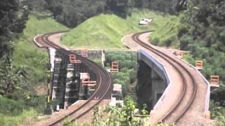 Download Kereta Api Kamandaka berpapasan dengan Kereta Api Fajar Utama Yogyakarta Video