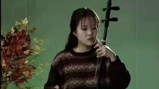 Download 二泉映月 - 陈春园 (二胡独奏) Moon Reflected in the Second Spring - Chen Chunyuan (Erhu Solo) Video