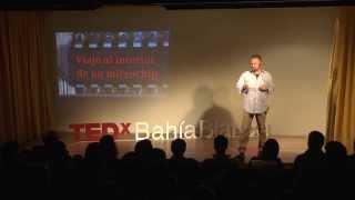 Download Viaje al interior de un microchip: Pedro Julián at TEDxBahiaBlanca Video