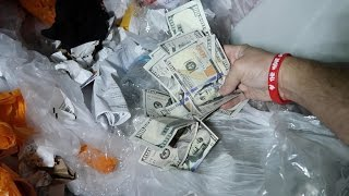 Download THEY THREW THIS MONEY AWAY? (DUMPSTER DIVING) Video
