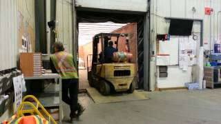 Download loading the truck using forklift Video