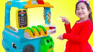Download Jannie Pretend Play with Fun Food Truck Toy Video