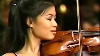 Download Vanessa-Mae plays Toccata & Fugue Video