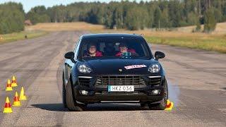 Download Porsche Macan behaving strangely in moose test Video