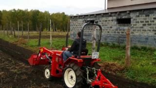 Download Вспашка плугом на мини-тракторе Yanmar f 16 d Video