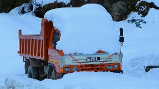 Download Worlds most beautiful snow route ever - Manali Video