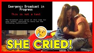 Download END OF THE WORLD ALIEN INVASION PRANK ON GIRLFIREND (She Cried!) Video
