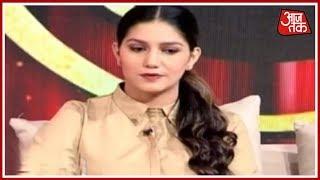 Download Kumar Vishwas के साथ KV सम्मलेन में Sapna Chaudhary की धमाल, Manoj Tiwari ने छेड़ी ताल | Episode 3 Video