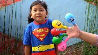 Download Keysha Bermain Mengisi Air Dalam Balon Daddy Finger Nursery Rhymes | Learn Colors With Balloons Video