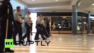 Download USA: BLM activists kicked out of Minneapolis mall by riot police Video