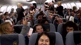 Download voXXclub Flashmob an Bord von Condor Video