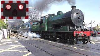Download Railway Crossing - Merrion Gates, Dublin - 461 Steam Loco Video