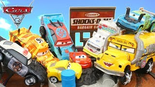Download CARS 3 THUNDER HOLLOW CRASH PLAYSET CRAZY 8 CRASHERS MINIS RACERS Video