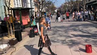 Download Even the dog was AMAZED - Somewhere over the rainbow - Street performance Video
