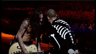 Download Red Hot Chili Peppers - Californication LIVE Slane Castle 2003 (Ultra HD) Video