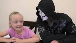 Download 3 Marker Halloween Mask Challenge! Fun DIY Game Master Mask!! Video
