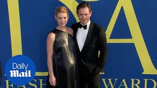 Download Claire Danes shows her baby bump with Hugh Dancy at the CFDAs Video