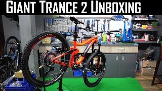 Download Giant Trance 2 Unboxing | Giant Factory | Spokehub Cycling Video