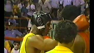 Download MIKE TYSON AMATEURS KNOCK-OUT Video