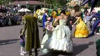 Download Parade des rêves - Le festival des moments magiques - Disneyland Paris - 10.04.2011 Video