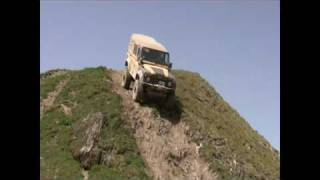 Download mercedes G VS land rover defender 110 - Valdisere Video