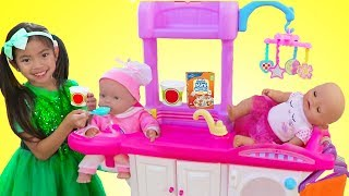 Download Emma Pretend Play Babysitting Cry Baby Dolls w/ Nursery Playset Girl Toys Video