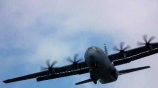 Download Lockheed Martin C-130J Super Hercules CRAZY LANDING at Farnborough International Airshow 2010 Video
