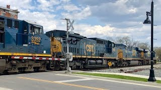Download CSX Mixed Freight Makes Woman Turn Around! Haha! Video