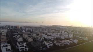 Download Frankfurt Riedberg aus der Luft bei Nebel 4K Video