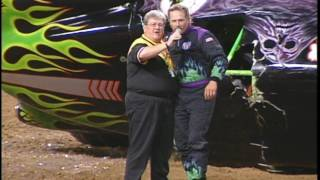 Download Grave Digger vs Bulldozer Freestyle from St. Louis 1999 Video