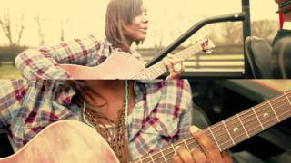 Download Jamie Grace - Hold Me featuring tobyMac Video