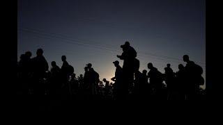 Download News Wrap: Migrant caravan growing despite Trump's threats Video