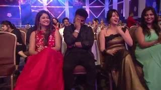 Download Satish Naveen Qureshi comedy performance | Mirchi music awards south 2015 Video