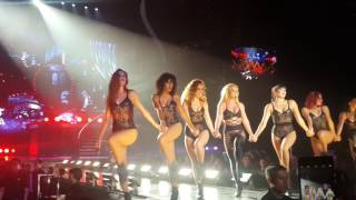 Download BRITNEY SPEARS - CIRCUS/IF U SEEK AMY/BREATHE ON ME/SLUMBER PARTY/TOUCH OF MY HAND - LIVE IN SG Video