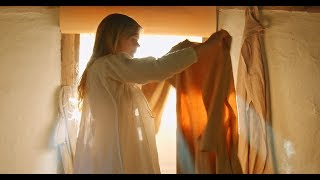 Download Getting dressed in the 14th century Video