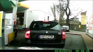 Download Policejní honička - řidiče zastaví až pásy s hroty Video