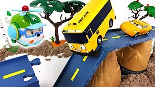Download There was an earthquake Tayo, Robocar Poli town! Super Wings! Rescue your friends! - DuDuPopTOY Video