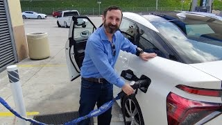 Download Fueling up the Toyota Mirai with hydrogen - new fuel cell vehicle Video