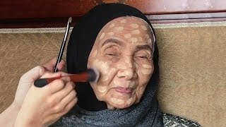 Download You Won't Believe How This 93-Year-Old Woman Changes After She Puts Makeup On Video