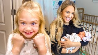 Download Bringing Baby Posie Home From The Hospital!!! Video