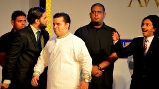 Download Chaminda Pusswedilla at Dialog Sri Lanka Cricket Awards 2013 Video