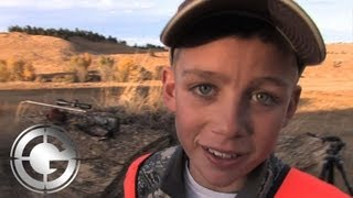 Download 12 Year Old Kohl's 649 Yard First Buck Freak Out! - Long Range Hunting Video