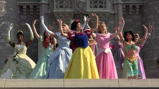 Download All 11 Disney Princess gathering for the first time for Merida's coronation at Walt Disney World Video