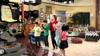 Download Jessie - Live Taping - ''Cattle Calls & Scary Walls'' - Last Episode of Season 1 [2nd Day] Video