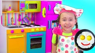 Download Alice Pretend Princess & playing in Restaurant with Kitchen Toys Video