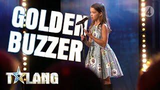 Download 10-åriga Eva rör juryn till tårar med sin magiska sångröst Video