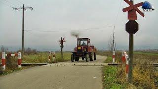 Download Tractor UTB U650 Traverseaza Calea Ferata - UTB U650 Tractor Crossing The Railroad [Autumn Edition] Video