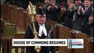 Download Sergeant-at-Arms Kevin Vickers receives standing ovation Video