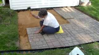 Download Building a paver patio and firepit Video