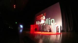Download Todos podemos ser Quijotes   Amalia Londoño   TEDxMedellin Video